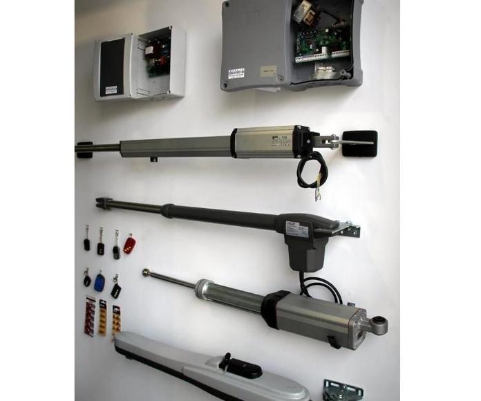 Automatismos y puertas de garaje: Cerrajería de Borrella Cerrajeros 24 Horas