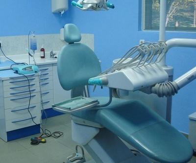 Todos los productos y servicios de Dentistas: Clínica Dental Dr. Pedro Almoyna Rullán