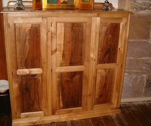 Muebles de encargo de madera maciza en Cantabria