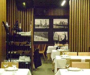 Sala del restaurante vasco en Bilbao