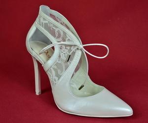 Experiencia y calidad en zapatos de novia, madrina y eventos especiales Madrid