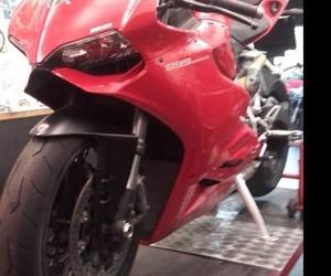 neumáticos moto Les corts