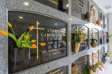 Exposicion de nuestro catalogo de arte funerario.