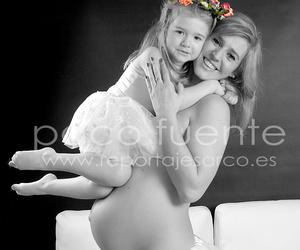 Fotografía de Estudio de PREMAMÁ  Embarazada en Burgos. Fotógrafo en Burgos