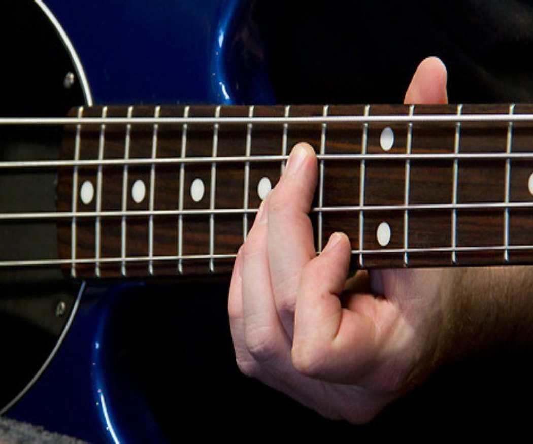 Algunos consejos para comprar la guitarra (II)