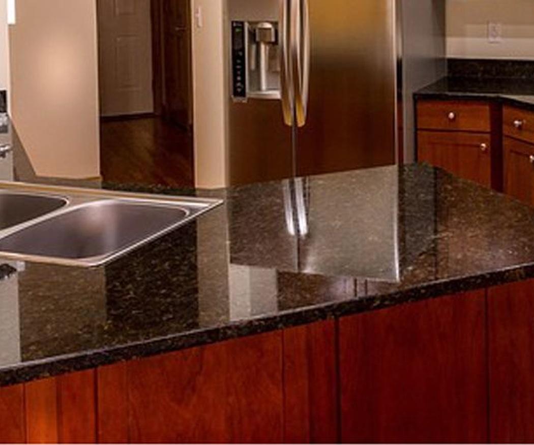 ¿Elegir mármol o granito para la cocina?