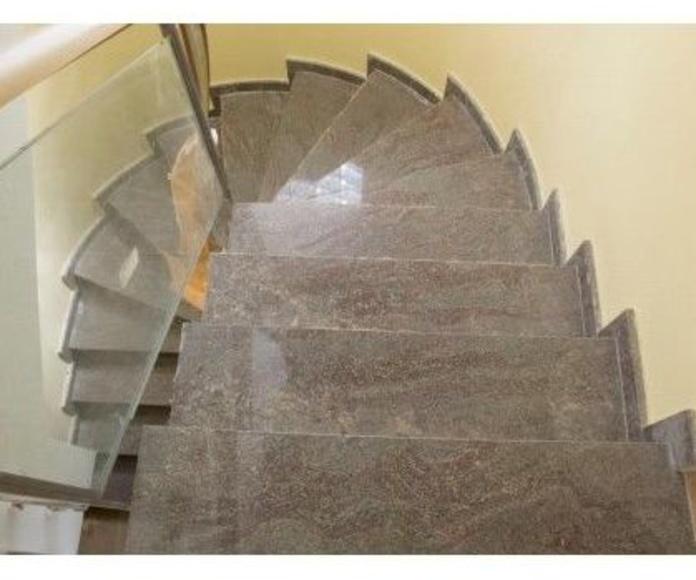 Escalera interior: Nuestros trabajos de Cano, Granits i Marbres, S.C.C.L.