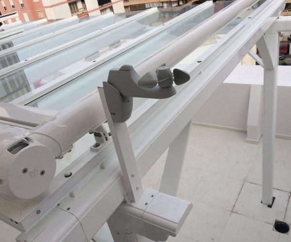 Pérgola de Aluminio Con  vidrio laminar 5+5 Aluminios Aludecor