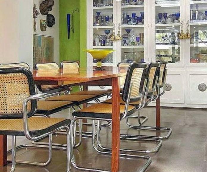 sillas de rejilla modelo Cesca en color negro con o sin brazos