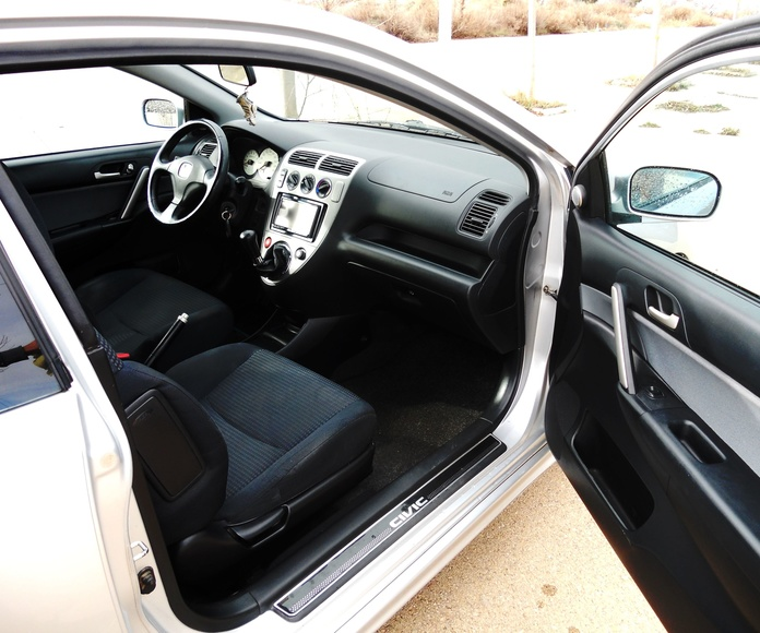 HONDA CIVIC 1.6 i 110 CV. Coupé: Servicios  de Autotaxi Eliseo