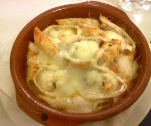 Macarrones al horno con queso de cabra
