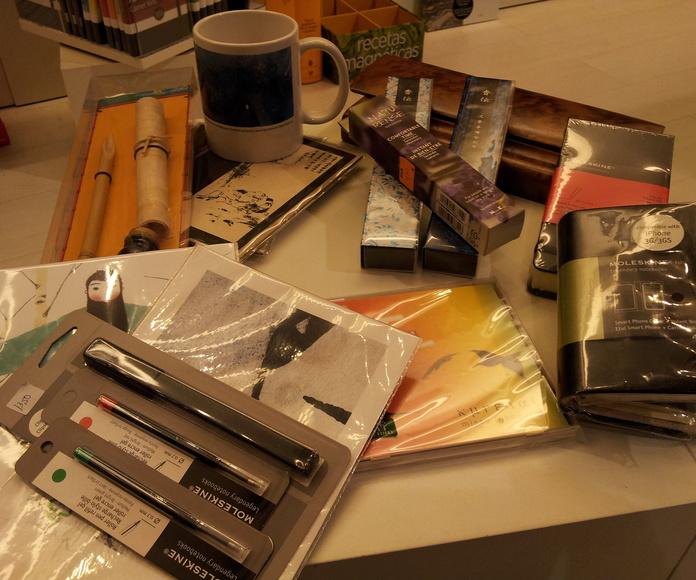 Otros artículos : Productos de Libros 28