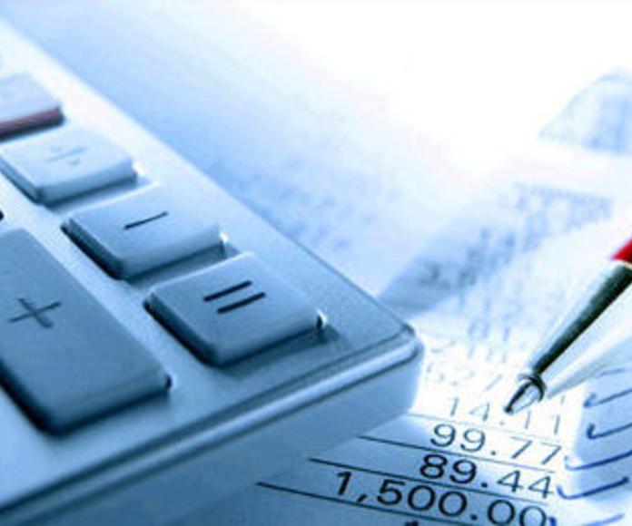 Asesoría fiscal, laboral y contable. Seguros: Servicios de Pérez Couñago Gestoría Administrativa