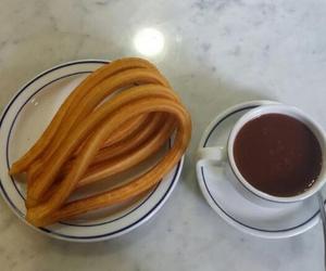 Artesanos del chocolate con churros y porras en Madrid