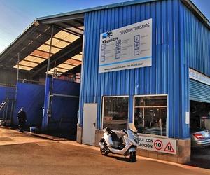 Empresa dedicada al lavado y engrasado de todo tipo de vehículos