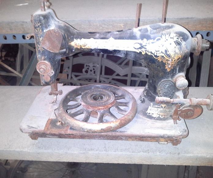 maquina de coser antigua en Desguaces Clemente de Albacete
