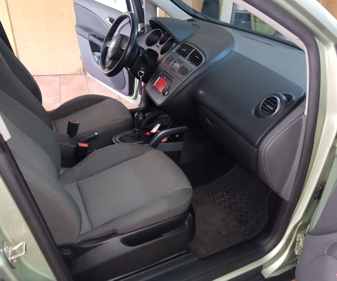 Seat Toledo 2.0 TDI DSG 140 cv. Stylance: Servicios  de Autotaxi Eliseo