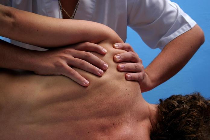 Clinica fisioterapia Barrio del Pilar default:seo.title }}