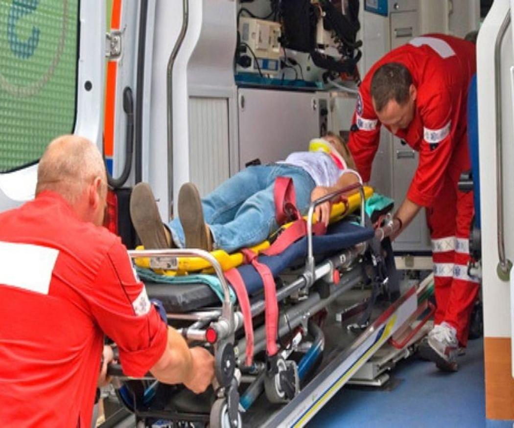 Equipamiento básico de una ambulancia de emergencia