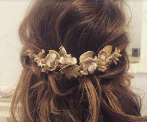 Pruebas de novia: recogido con detalle floral