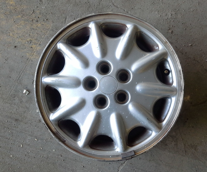 Llantas de Chrysler en R-15 de 5 tornillos