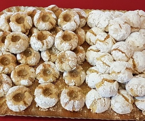 Panellets de mazapán y azúcar artesanos