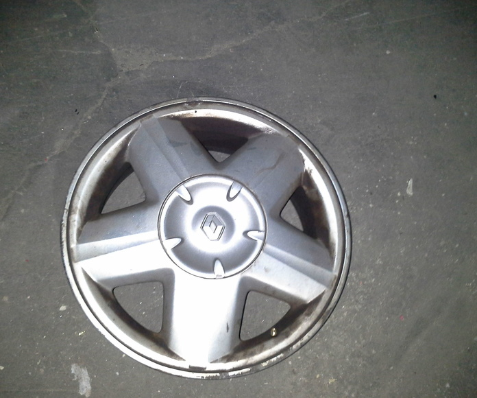 Llantas de aluminio de Renault en R-15 de 4 tornillos