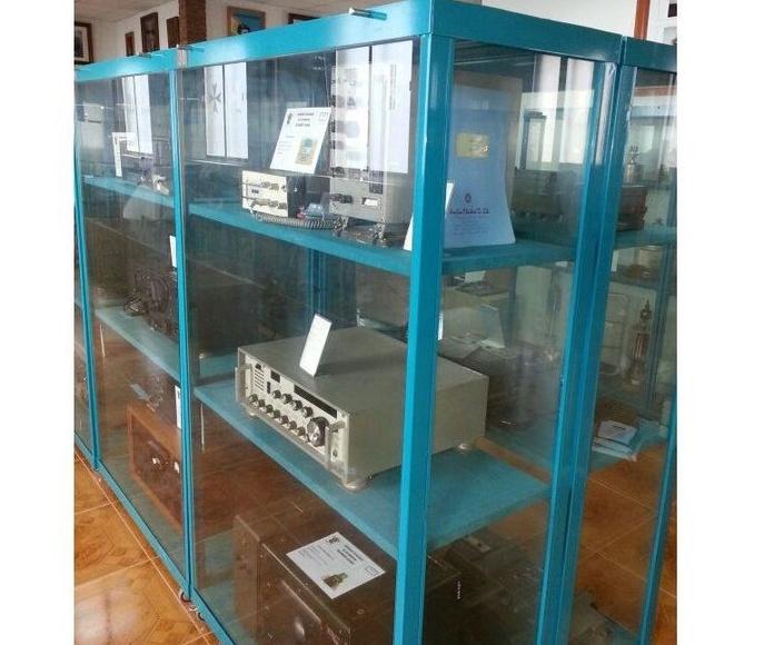Vitrinas: Cerrajería de Cerrajería Dugaval