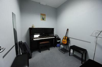 Todos los productos y servicios de Escuelas de música, danza e interpretación: Escuela de Música y Danza Marand Musical