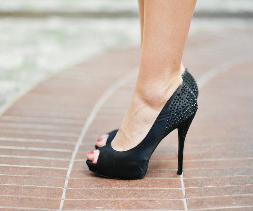Algunos problemas que originan los zapatos de tacón