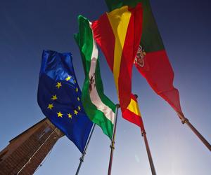 Banderas y banderines - Barcelona | Banderas Aluco