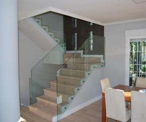 Escaleras de cristal Madrid. Barandillas de cristal Madrid.