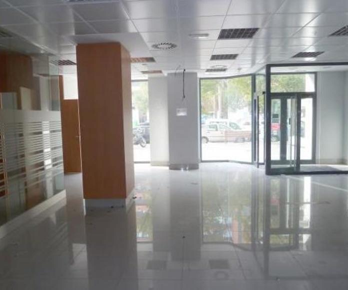 Alquiler de bajos comerciales: Servicios  de Palau Planells, S.L.