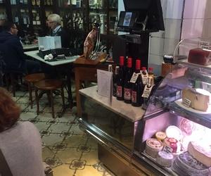 Ayudando a los amigos de Xarcuteria la Pineda En Barcelonaa perfeccionar el corte de jamón.