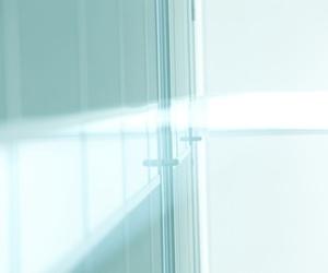 Dividir el salón de la cocina con una cristalera