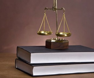 Diferencias básicas entre una denuncia y una querella