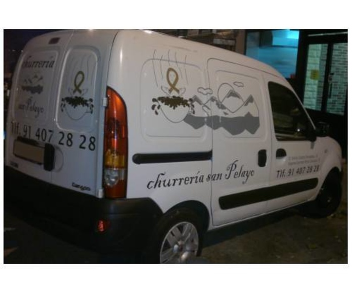 Repartimos churros y porras: Servicios de Churrería San Pelayo