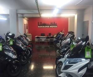 Motos de 125 nuevas en L'Eixample de Barcelona