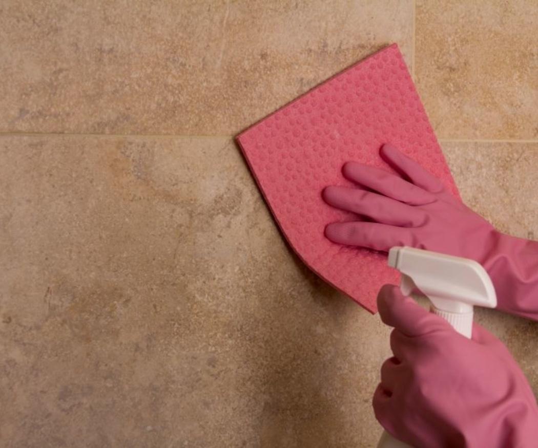 El peligro de mezclar amoniaco y lejía en la limpieza