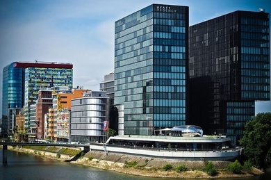 Una experta ve «un error» dejar solo las fachadas de los edificios modernistas