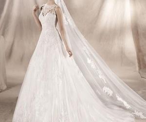 Colección White One 17  Modelo Yamila