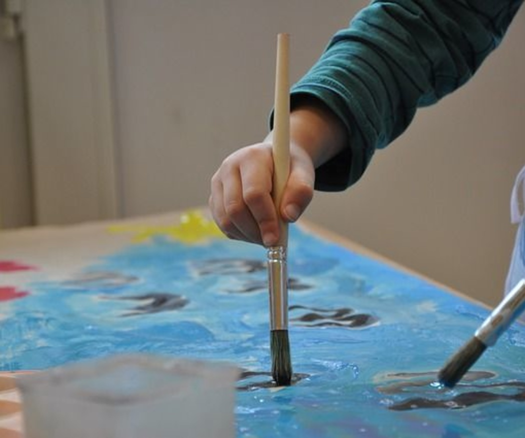 Las clases de pintura potencian la creatividad de los más pequeños