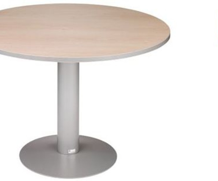 mesa redonda color haya con pie matálico color aluminio.