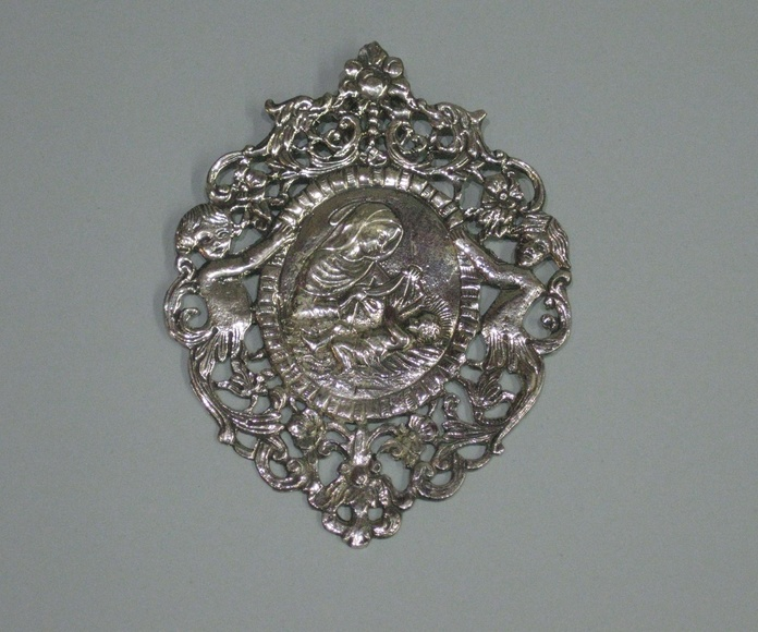 MEDALLA CUNA VIRGEN CON NIÑO: Catalogo de plata de Vera Orfebre
