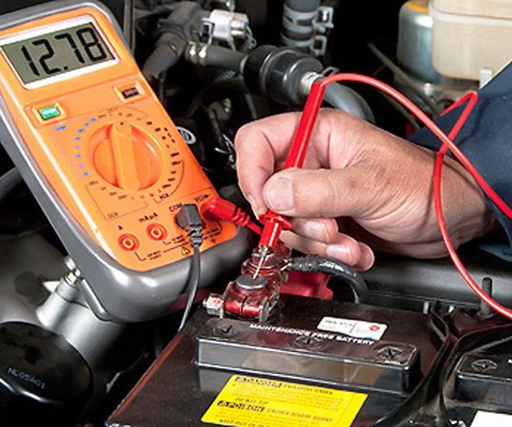 Pasos para cambiar una batería de un coche