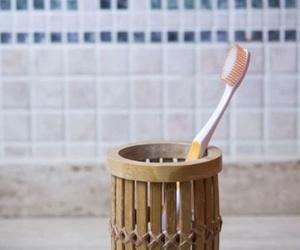 Dentista en Cádiz - El reflujo ácido: un desastre dental a largo plazo