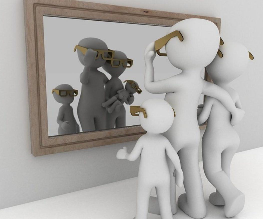 Espejos enmarcados como elemento de decoración