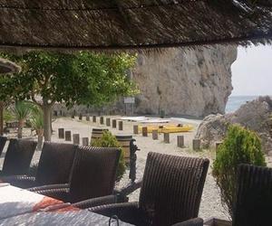 Disfrute de la maravillosa terraza de La Barraca