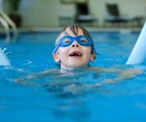 10 consejos para evitar accidentes en la piscina con los niños