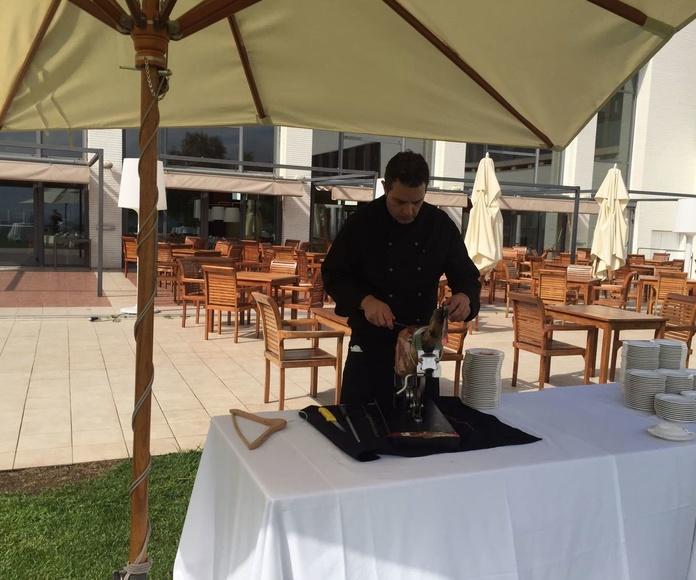 Una boda de ensueño,cortando un jamón ibérico bellota DO En Barcelona